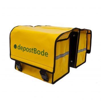 Fietsposttassen geleverd aan depostbode